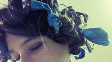 How to use rag curlers in your hair! #hair #curl #updo