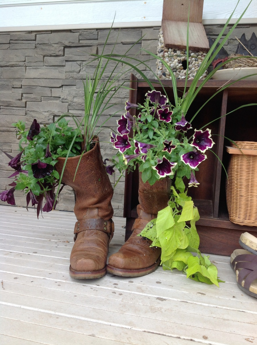 Friendship Boot Planter DIY