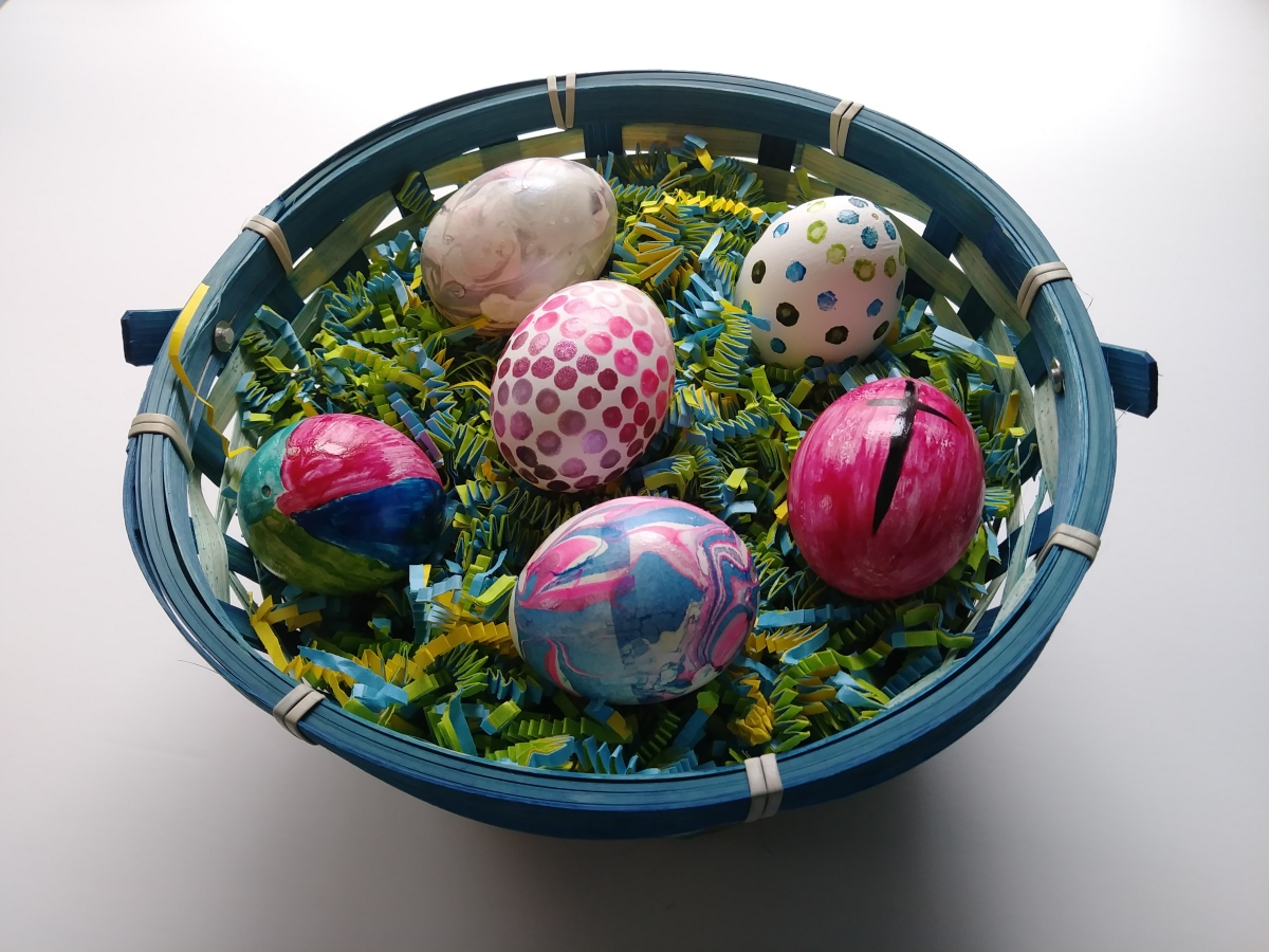 3 ways to decorate Easter eggs with nail polish